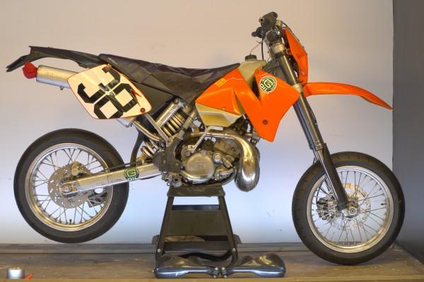 "NMO SuperMotard, 2012 2002 KTM 200 MXC: Behr 17"" Rims, 3.5"" Front, 5"" Rear, Cush Drive"